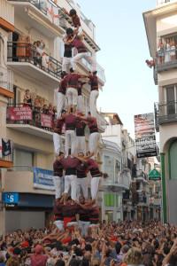 26-08-2007: Quatre de vuit carregat de la Jove de Sitges, al Cap de la Vila. El més matiner i únic fet per Festa Major