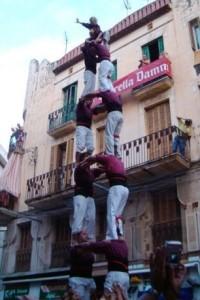 31-8-2003: torre de set carregada de la Jove de Sitges al Cap de la Vila